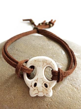 Oheste Handmade Accessories. Pulsera White Skull