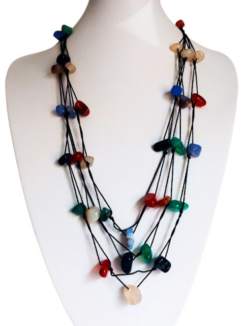 Oh! Este Handmade Accessories. Collar de ágatas de colores