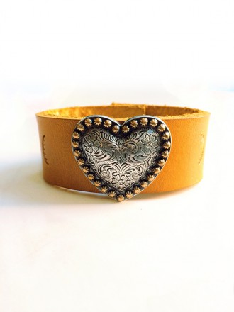 Oh!Este Handmade Accessories. Lovely concho